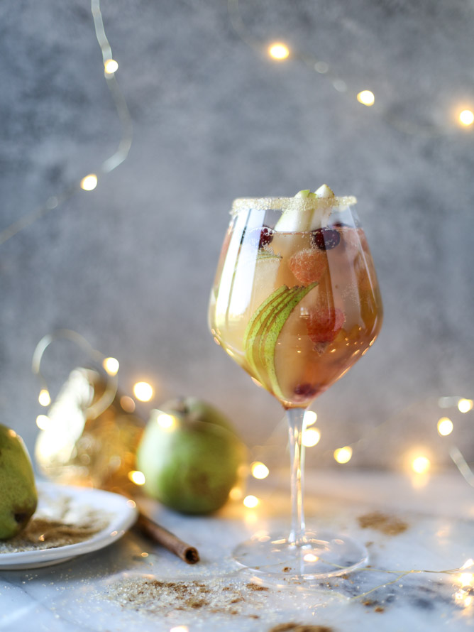 harry-and-david-pear-sangria-8